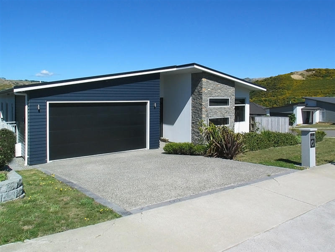 SOLD - 37 Paparoa Crescent, Paremata by Andy Cooling