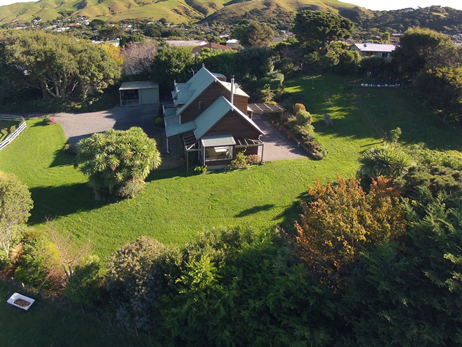 SOLD 22c Seavista Drive, Pukerua Bay by Andy Cooling 0800 468738