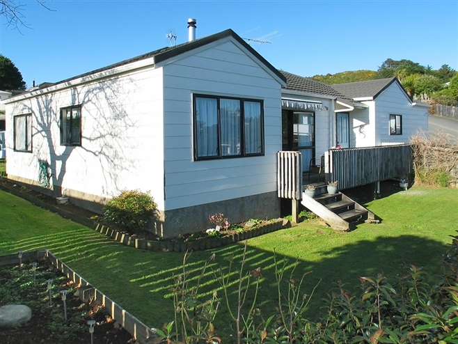 SOLD - 45b Rose Street, Ranui Heights