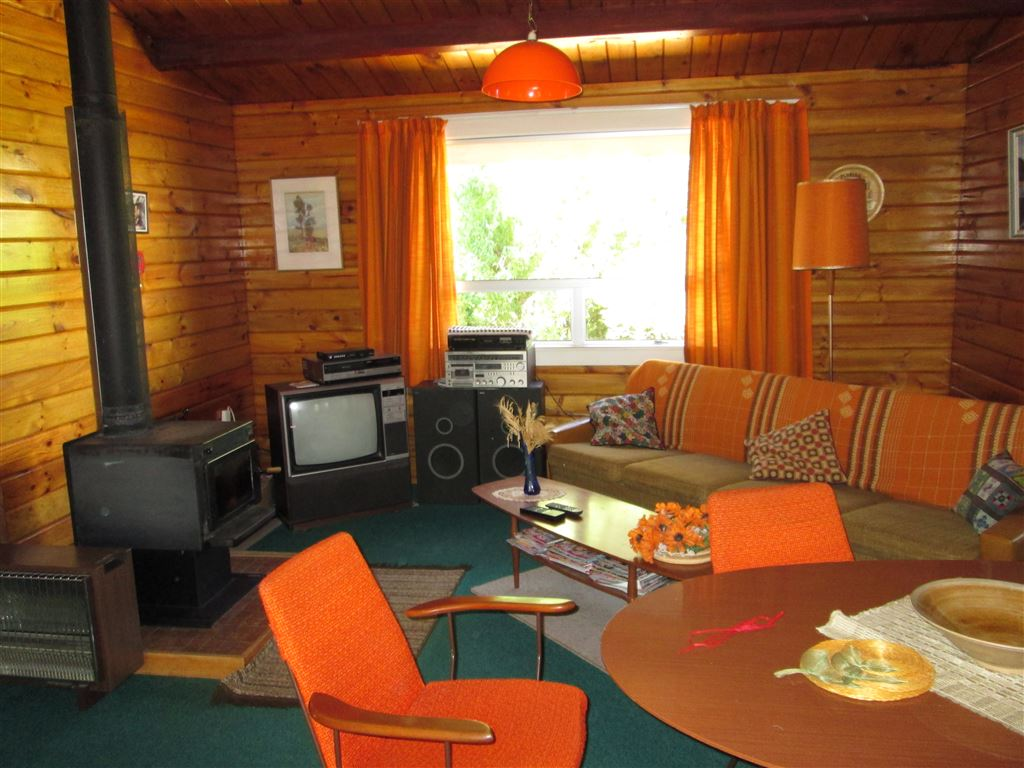 Comfortable Retro Bungalow - fully furnished