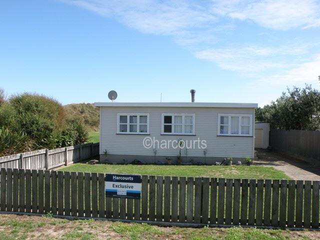Tirohanga Beach - 2 Houses