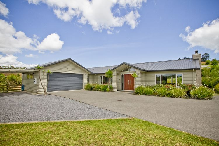 Lifestyle: 1Ha (2½ Acres) And The Living Is Easy