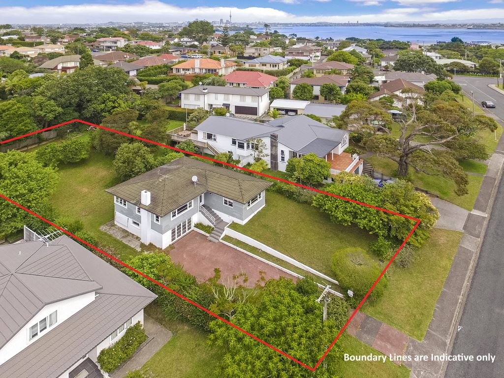 """Opportunity in the """"Hart"""" of Takapuna"""