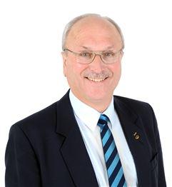 Giles Simons