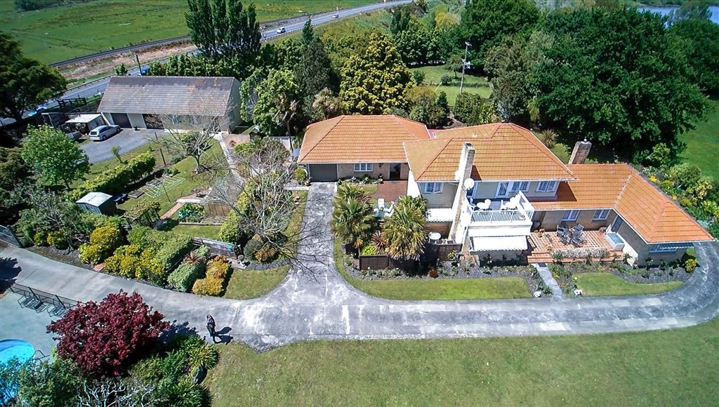 This Stunning 3.6Ha Property Has It ALL!!