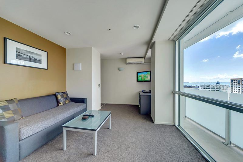 Spacious 1 bedroom Apt in the heart of city