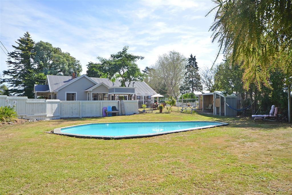 Family Lifestyle Property on 10 Acres