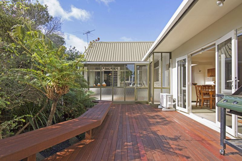 Stunning Family Home so close to Macleans College