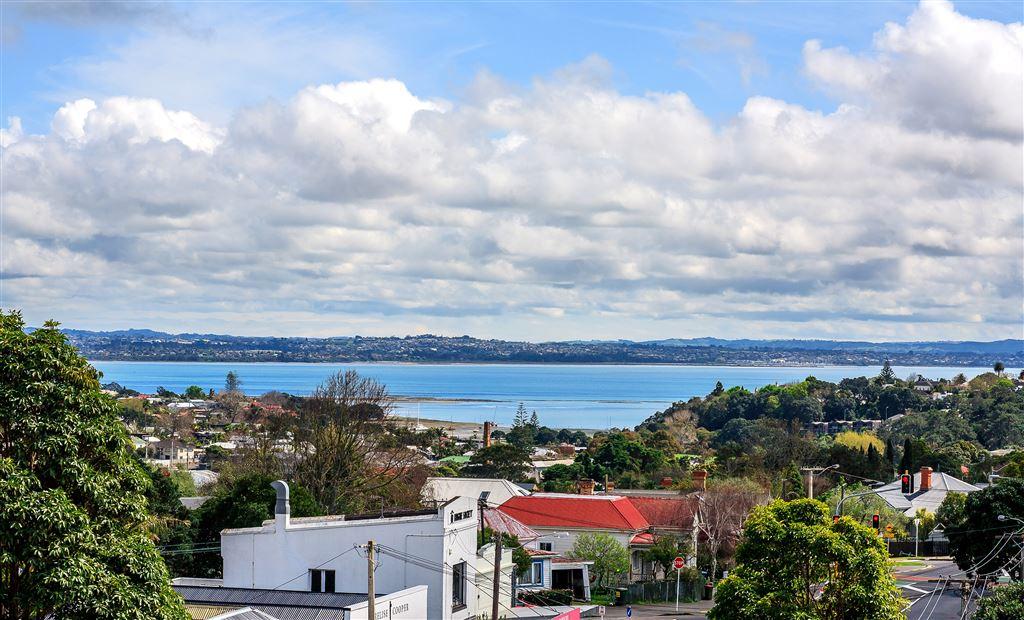 Best Views In Grey Lynn!