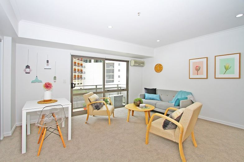 Freehold Apartment in the City! Cashflow Positive!