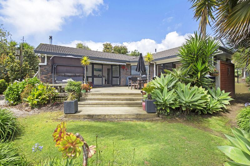 Superb 4 Bedroom Family Home with Views