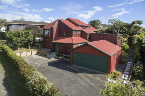 Stunning Character Home in Macleans Zone