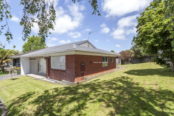 Exceptional Brick Unit in Sunnyhills