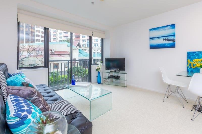 Cheap freehold apartment in the heart of the city!
