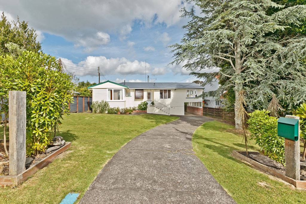 House + Subdivisible Section. Owner's Bought, Must Be Sold!