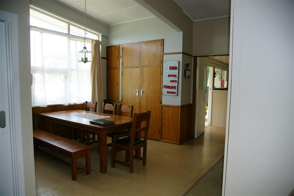 Dining main residence