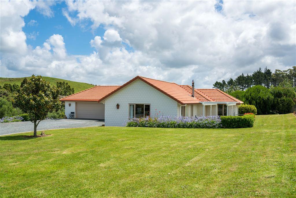 GJ Gardener home - Brick and Terracotta tile built 2005