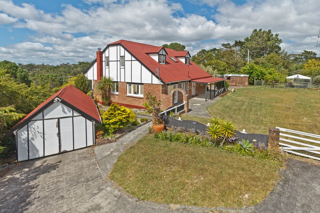 Large Family Home + Minor Dwelling With Over 5 Acres