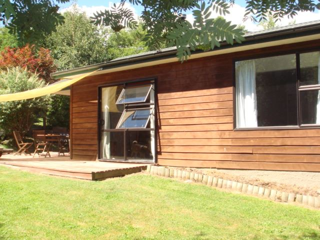 Tidy Family Home in Arrowtown - 3 Bedroom / 1 Bathroom