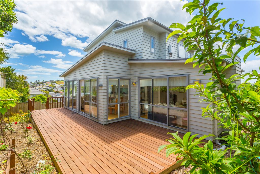 Impeccable, Large Residence in the Bay - Buy with Confidence