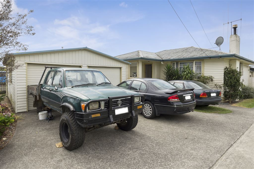 Owner Instructs Sell
