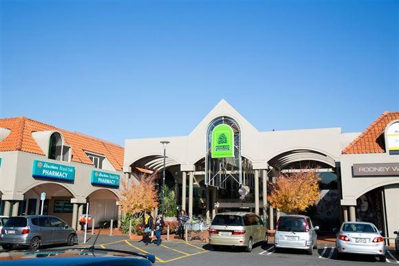 Popular Mall Investment
