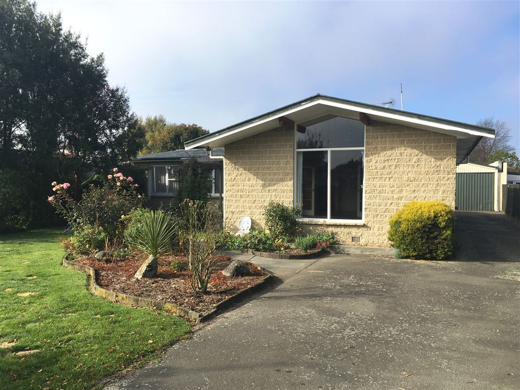 Quietly Tucked Away & Four Car Garaging - Open Home Cancelle