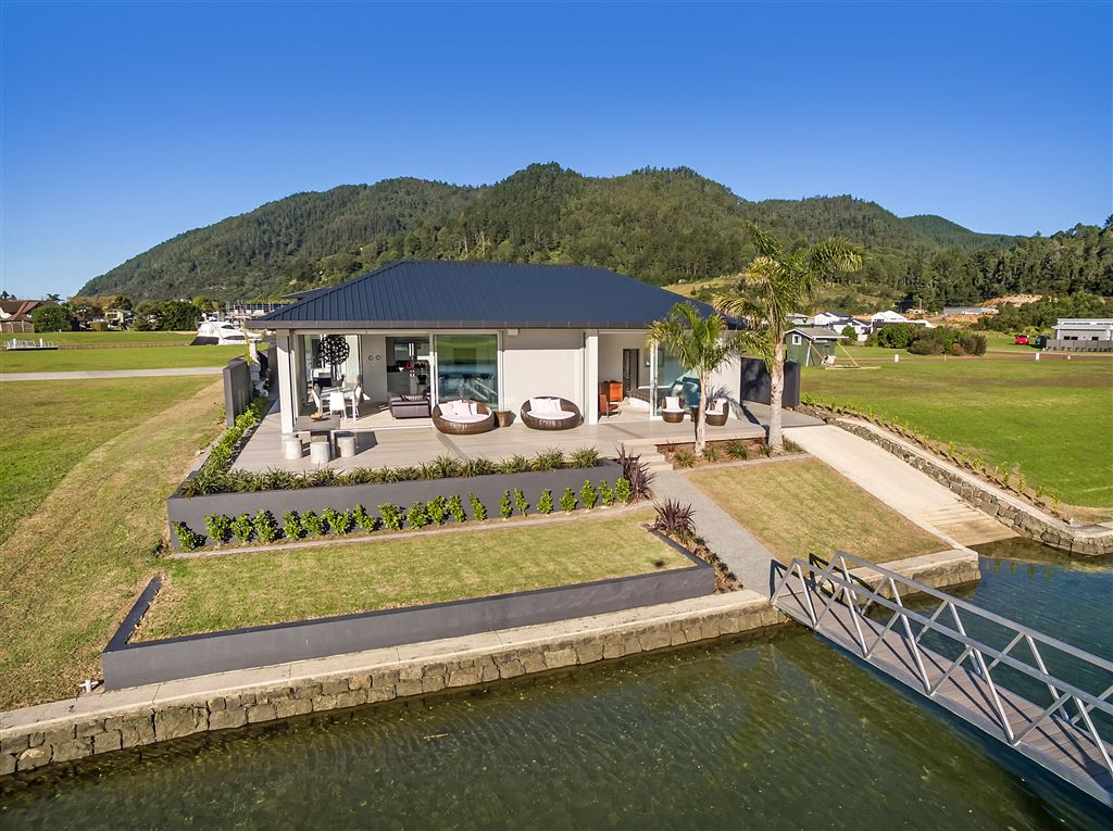 Ultimate Waterfront Living