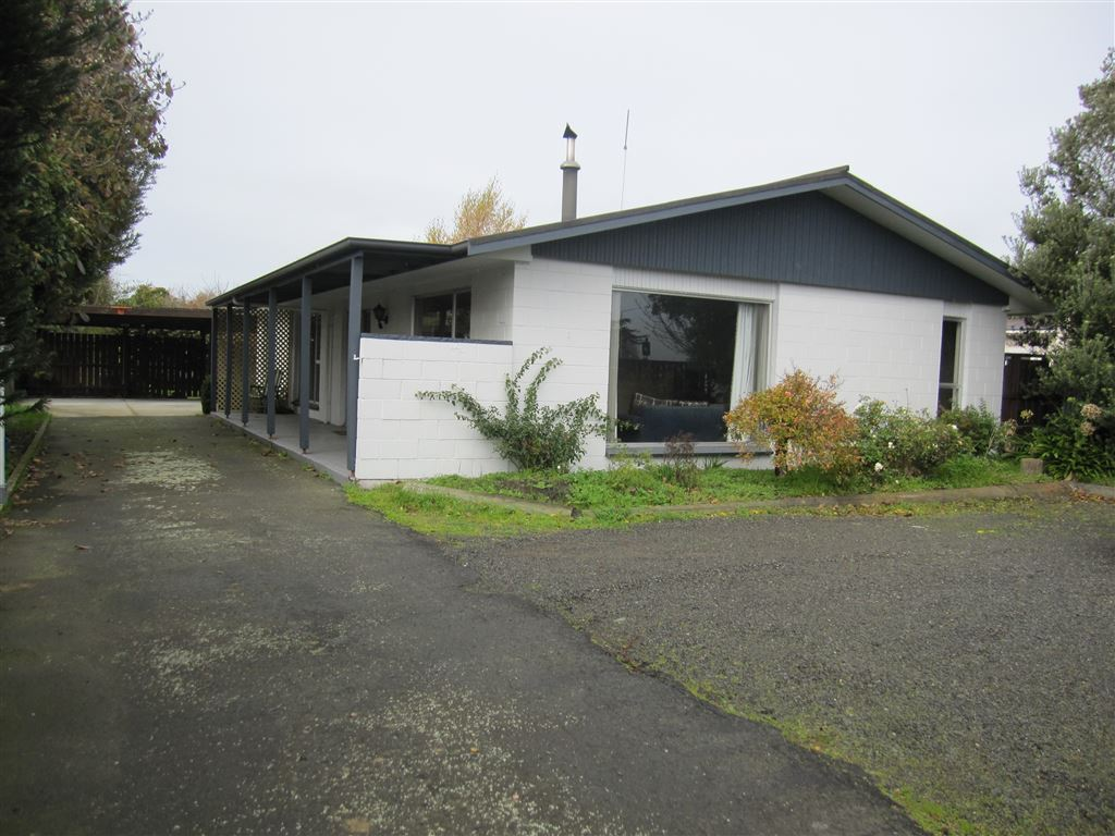 Fabulous Family Living - or Wonderful Investment Opportunity
