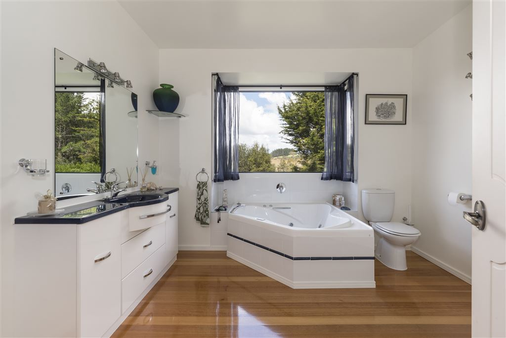 luxury family bathrooms