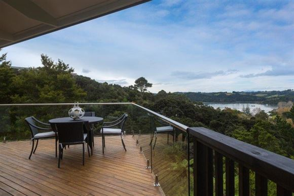 Tree Top Living with Awesome Views