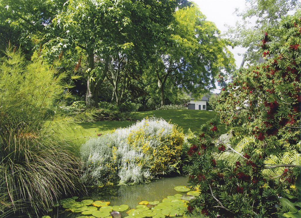 Gracious gardens frame home and studio