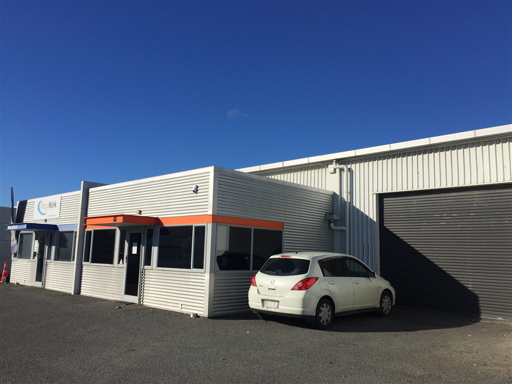 Tidy Medium Warehouse - For Lease