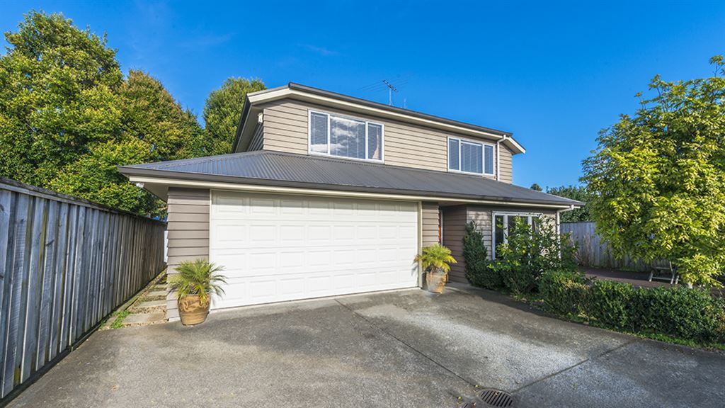 Excellent location!! Perfect for family living!!!