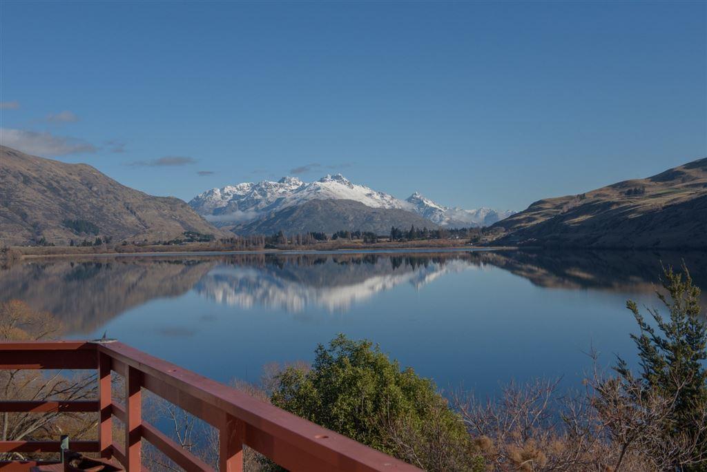 Prestigious location, spectacular views, rarely available