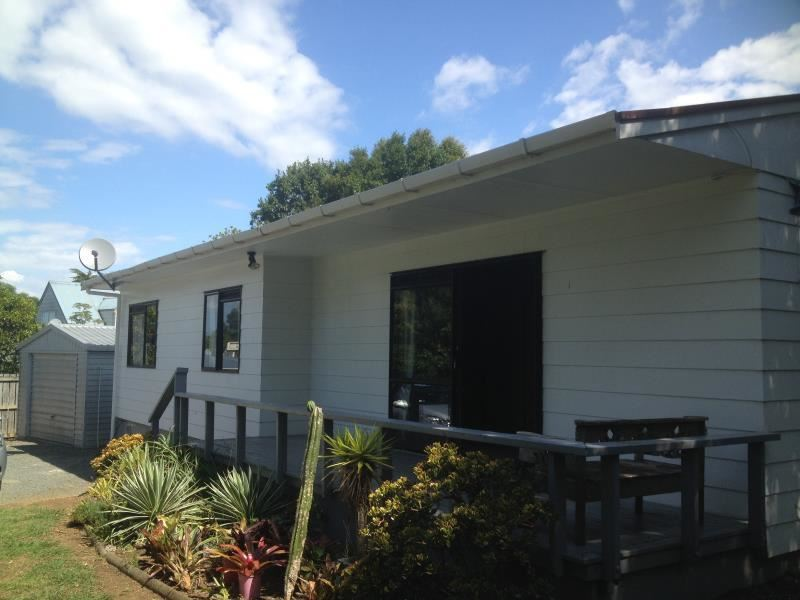Close to Schools - Easy Care Home