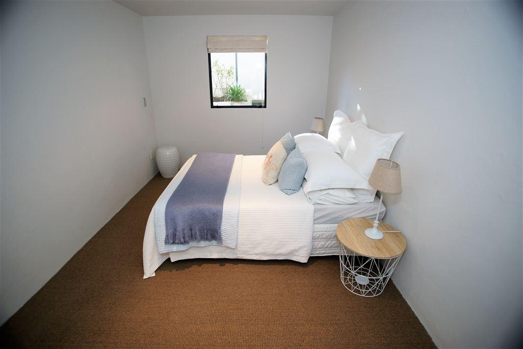 Bedroom 3, mid level