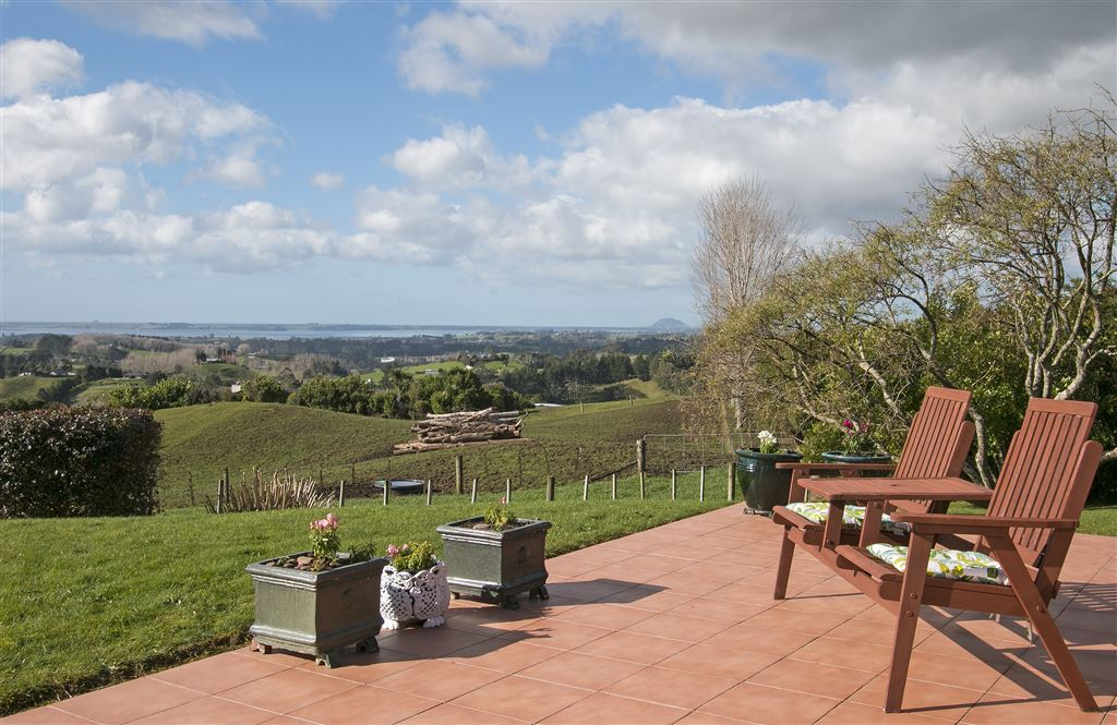 Peaceful Lifestyle With Stunning Views