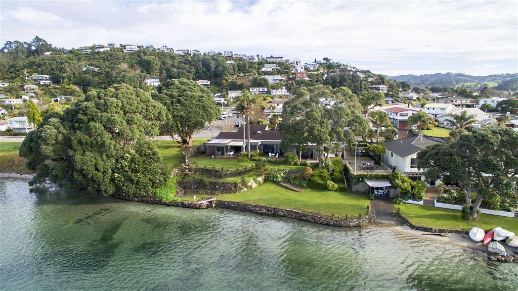 Prime Harbourside Living At Its Best