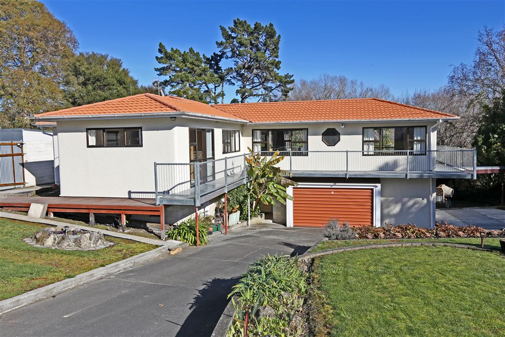 Gold In Tainui Drive!