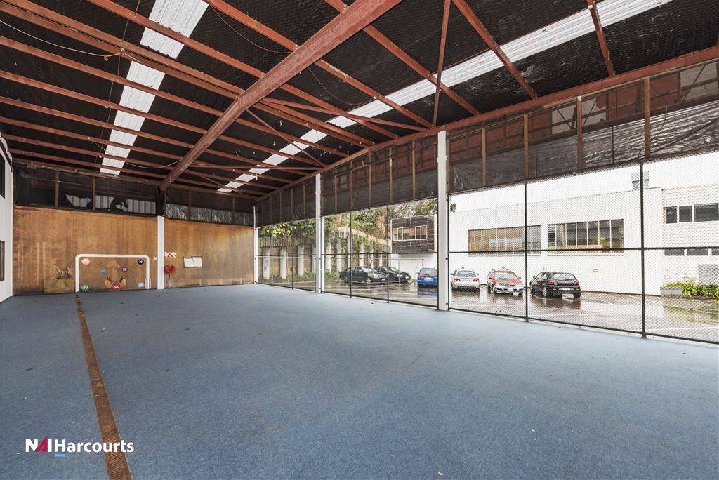 50 Anzac Road - covered outdoor area ( play ground)