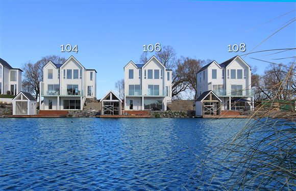 3 available Boathouses