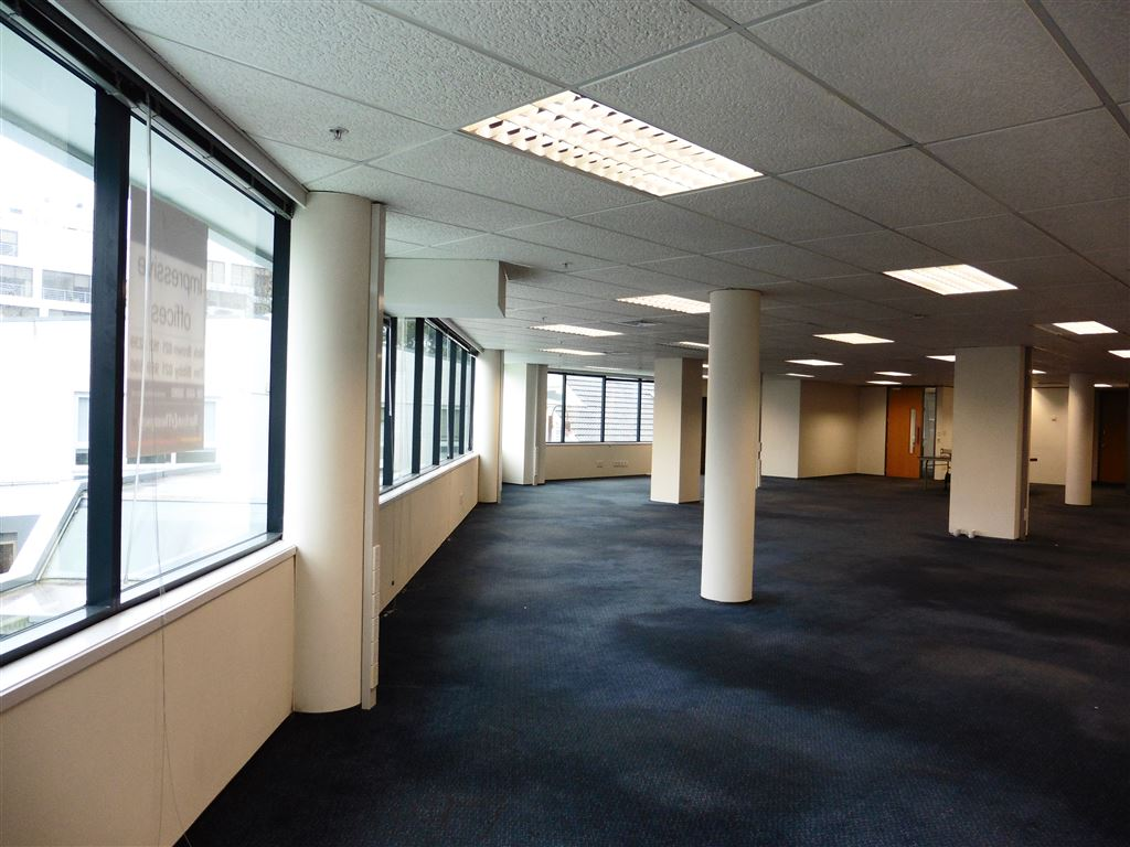 Hurstmere Road Open Plan Office for Lease
