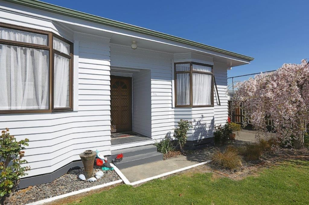 Family Home with Location.. Need it Sold!
