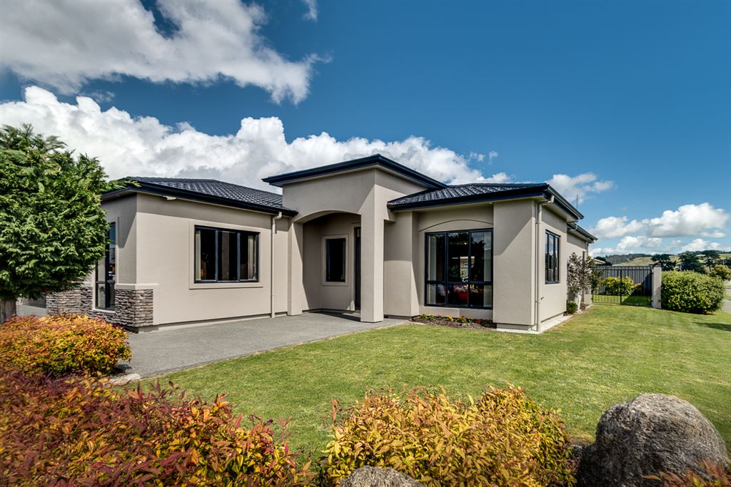 Happy Family Home - Great Location!