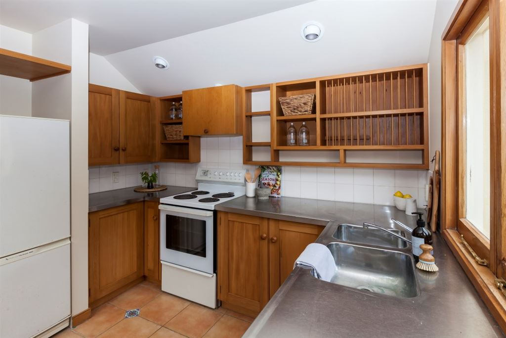 Second kitchen in s/c wing