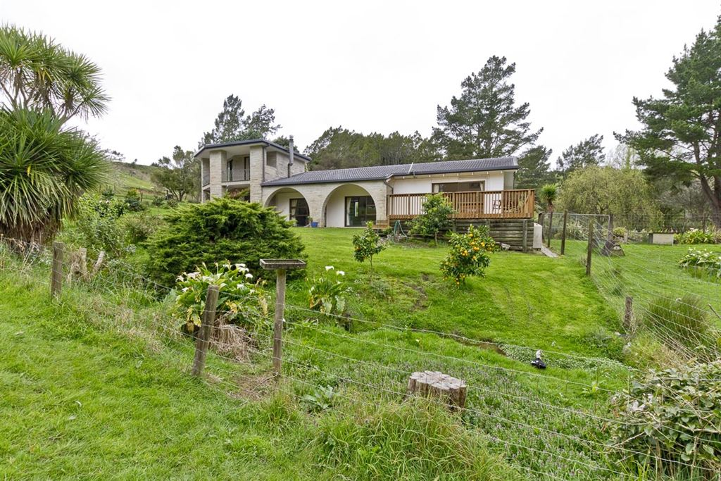 1970's Lifestyle, 46 Acres, Great Potential