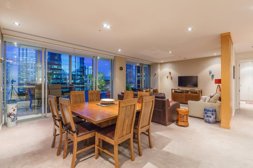 DELUXE 2 Bedroom at The Stamford Residences