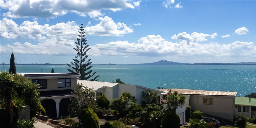 Vendors Relocating Now - By Negotiation over $1.3m