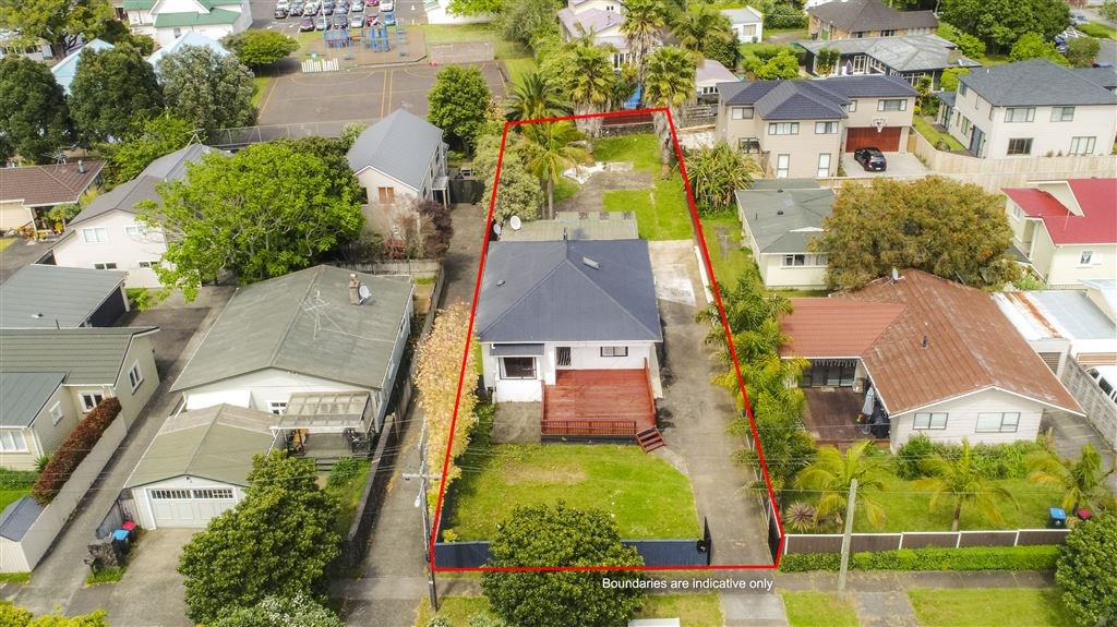 Development Opportunity on 857m2 -  Mixed Housing Urban!